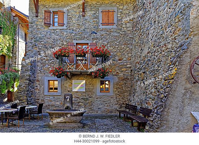 Häuser, alt, typisch, Brunnen