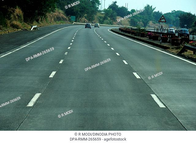 Mumbai Pune Express Highway, Maharashtra, India, Asia