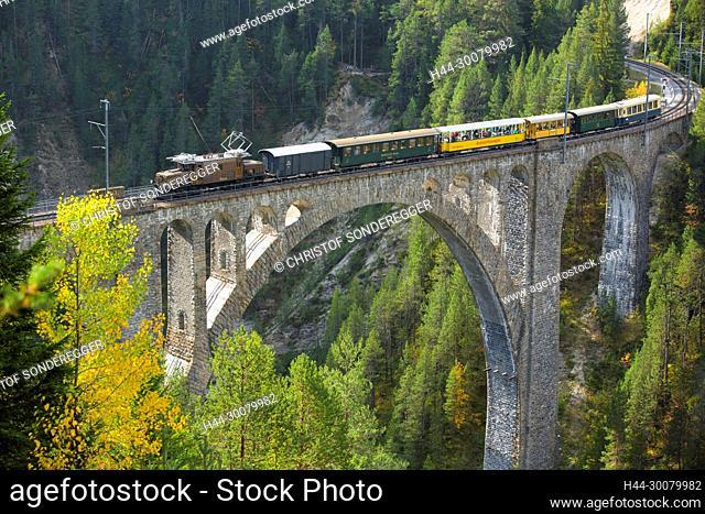 RhB auf dem Wiesener Viadukt