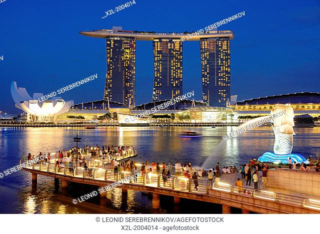 Merlion Park with Marina Bay Sands Hotel at the background, Singapore