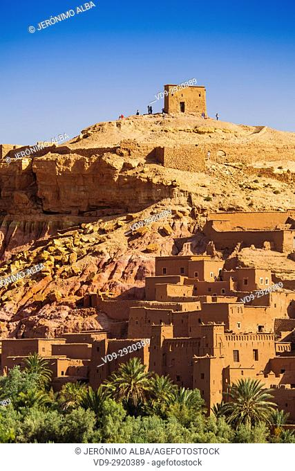 Ksar Ait Benhaddou, old Berber adobe-brick village or kasbah, Ouarzazate Province. UNESCO World Heritage Site. Morocco, Maghreb North Africa