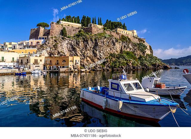 Italy, Sicily, Aeolian Islands, Lipari, Lipari city, fishing port Marina Corta with castle hill