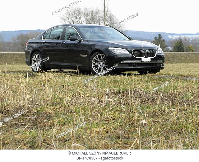 BMW 730d Sedan, F01 type code, with head-up display, HUD, navigation, driver assistance systems, such as distance radar, Blind Spot Information System