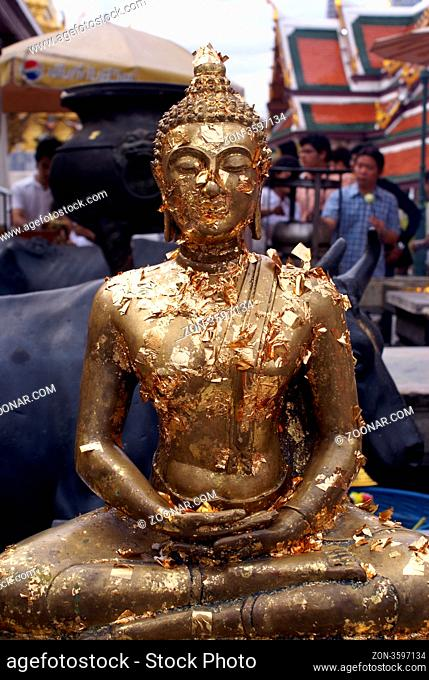 Golden Buddha in Wat Phra Keo, Thailand, Bangkok