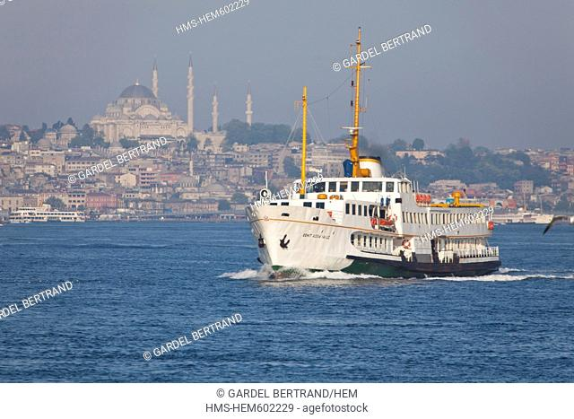 Turkey, Istanbul, ferry across the Bosphorus strait in the early morning