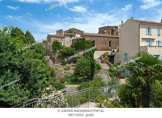 Historic old town with the chapel Saint Michel, Roquebrune-sur-Argens, Var, Provence-Alpes-Cote d`Azur, France, Europe