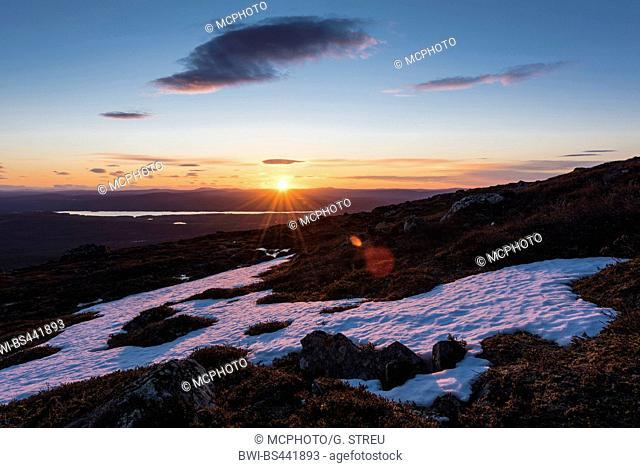 mid night sun Mitternachtssonne in Dundret nature reserve, Sweden, Lapland, Norrbotten, Dundret nature reserve