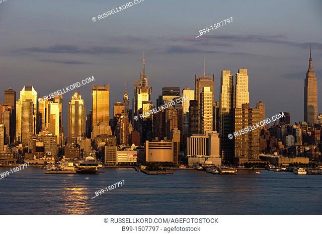 Midtown Skyline Hudson River Manhattan New York City USA