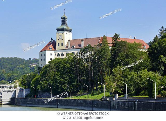 Persenbeug-Gottsdorf, Austria, Lower Austria, District Melk, Persenbeug-Gottsdorf, Danube, Strudengau, Persenbeug Castle on a rock above the Danube