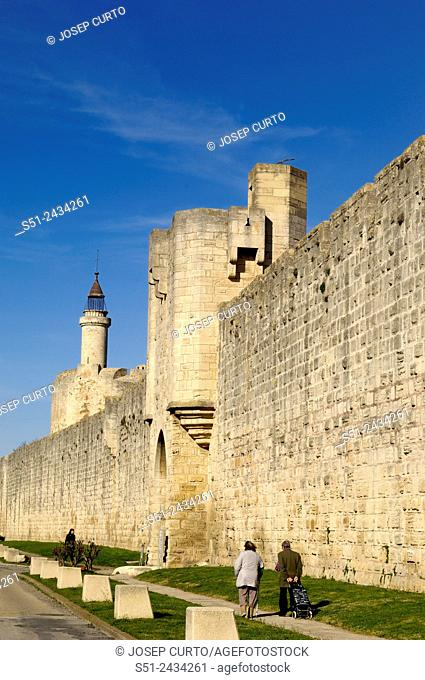 wall and castle, Aigues-Mortes, Languedoc-Roussillon, France
