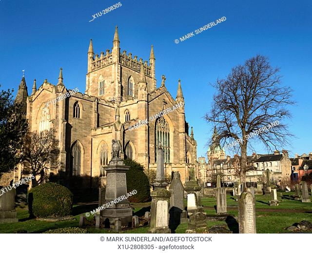 Graveyard and Abbey Church with Bruce Tower at Dunfermline Abbey Dunfermline Fife Scotland