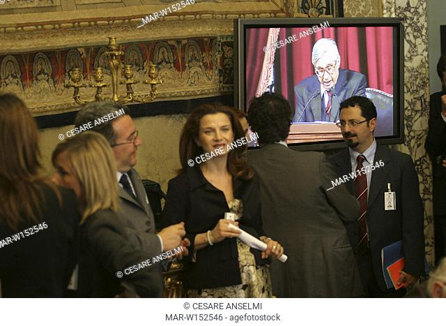 italy, rome, bank of italy, reporters