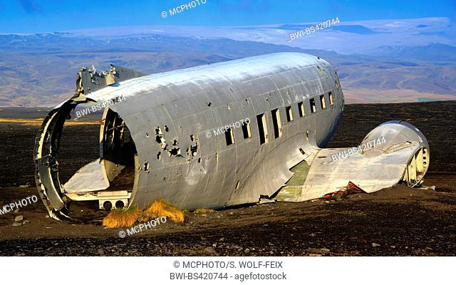 airplane wreck at Cape Dyrholaey, Iceland