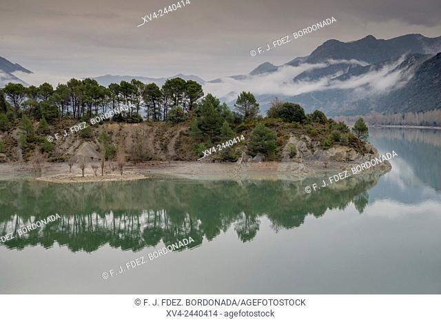 La Peña reservoir, Huesca, Aragon, Spain
