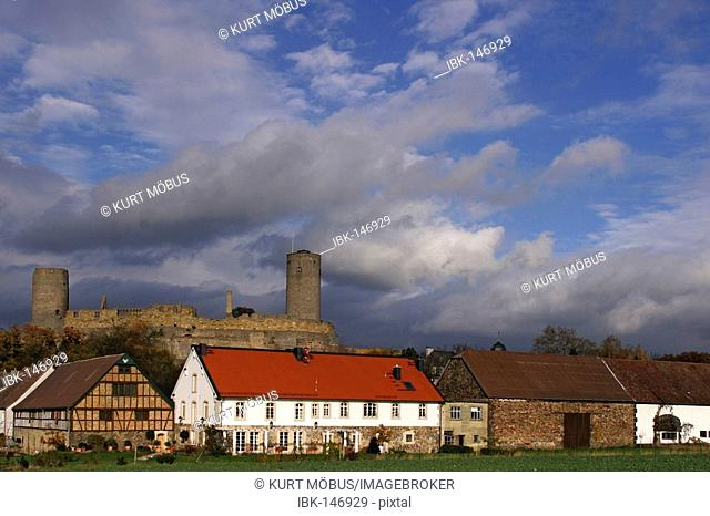 Dramatic light over the Muenzenberg castle, above the Hattstein court, Muenzenberg, Hesse, Germany