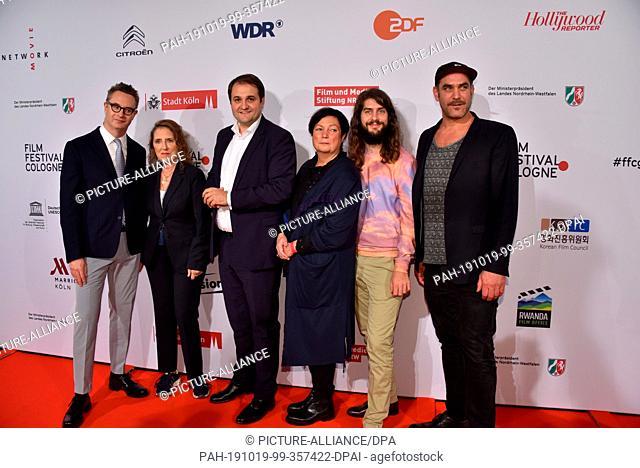 15 October 2019, North Rhine-Westphalia, Cologne: Nicolas Winding Refn, l-r, Petra Müller, Nathanael Liminski, Martina Richter, Lino Rettinger