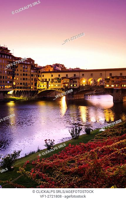 The Arno River and Ponte Vecchio Bridge in Florence, Tuscany, Italy, Europe