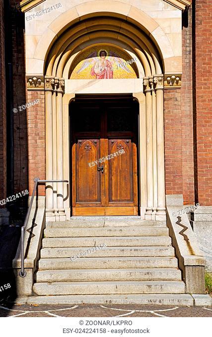 door  in italy lombardy  column the angel