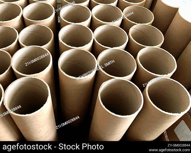 Recycled cardboard mailer tubes without white plastic end caps