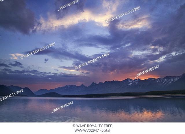 Upper Kananaskis Lake, Peter Lougheed Prov Park, Kananaskis Country, Alberta, Canada
