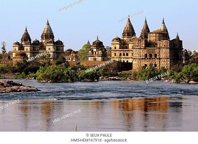 India, Madhya Pradesh, Orchha, chhatri tombs on Betwa River banks