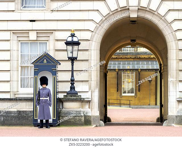 Queen's Guard in Buckingham Palace - London, England