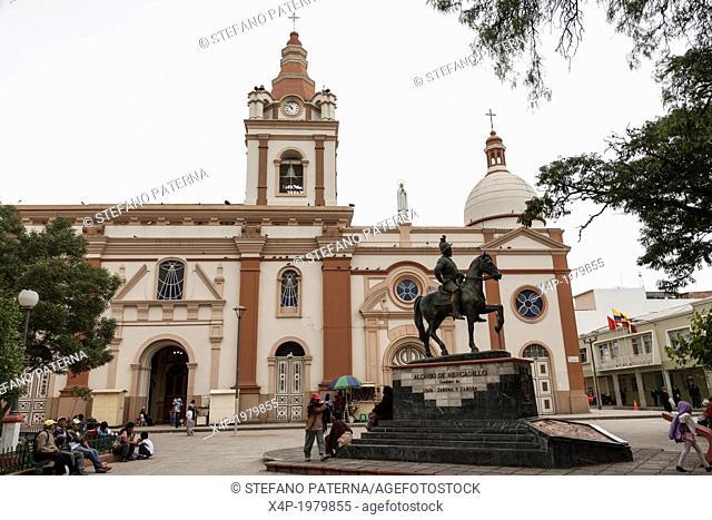 Alonso de Mercadillo Monument, Iglesia de San Francisco, Church, Loja, Ecuador