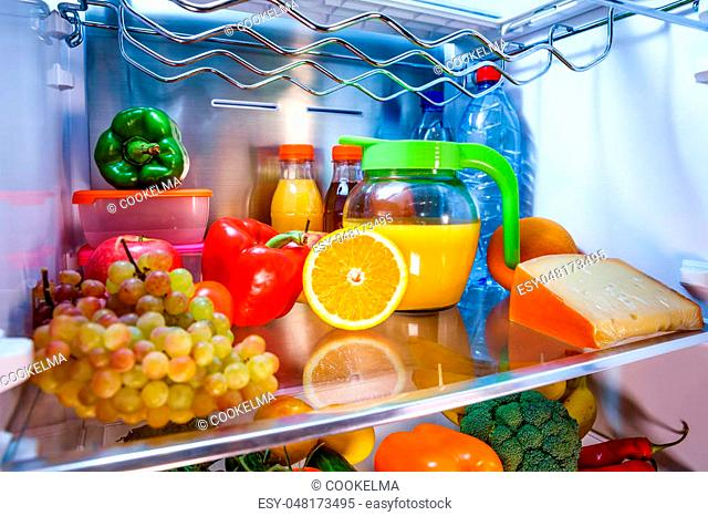 Filled refrigerator Stock Photos and Images   age fotostock