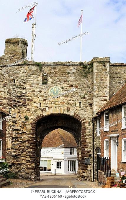 Hilders Cliff, Rye, East Sussex, England, UK, Britain, Europe  Landgate Arch circa 1329 is the only remaining gate through the medieval fortified hilltop town...