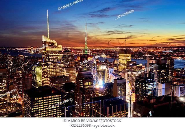 The Manhattan skyline at sunset, New York, USA