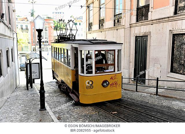 Elevador das Gloria funicular railway, connecting the Baixa district and the elevated Chiado district, Lisbon, Lisboa, Portugal, Europe
