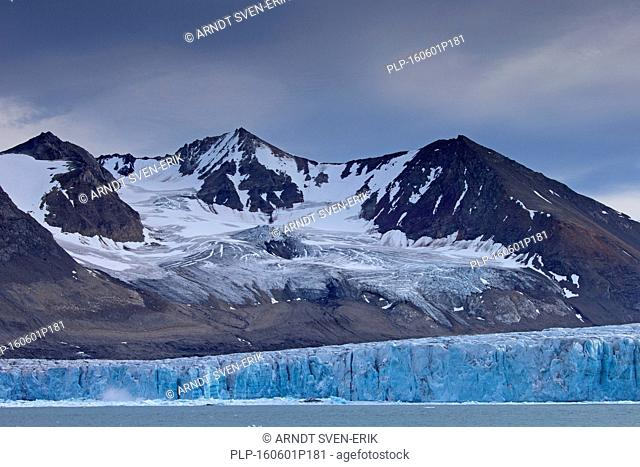 Samarinbreen glacier calving into Samarinvågen, bay of the fjord Hornsund in Sørkapp Land at Spitsbergen, Svalbard