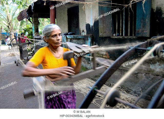 COIR MAKING - THE TRADITIONAL WAY, KUMBALANGHI