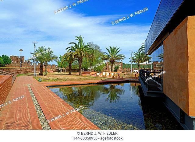 Castelo de Silves, restaurant, palms, Silves Portugal