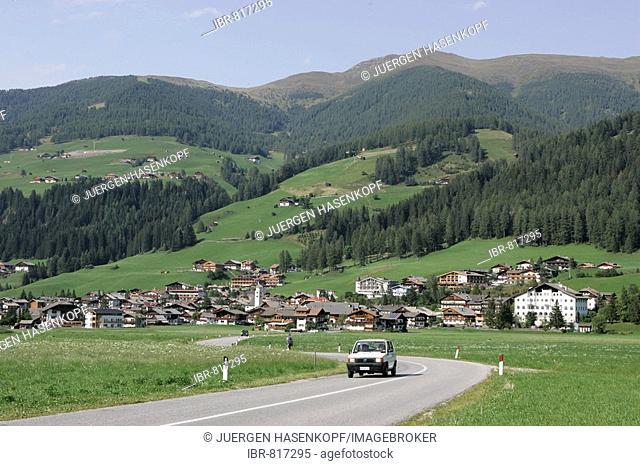 Road to Sexten, Sesto Dolomites, Pustertal Valley or Val Pusteria, Bolzano-Bolzen, Italy, Europe