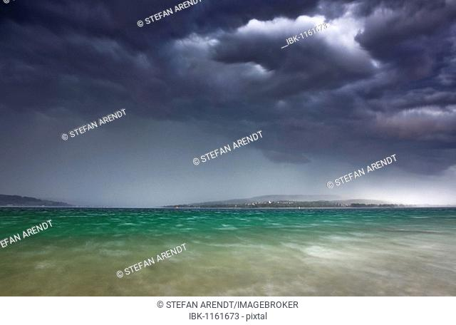 Lightning storm on Lake Constance with view to the Hoeri peninsula, Baden-Wuerttemberg, Germany, Europe