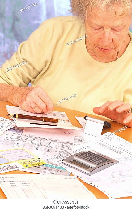 ELDERLY P. FILLING OUT FORMS