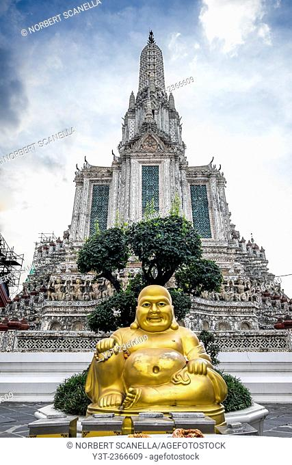 Asia. Thailande, Bangkok. Thailand, Bangkok. Wat Arun. Statue of Buddha