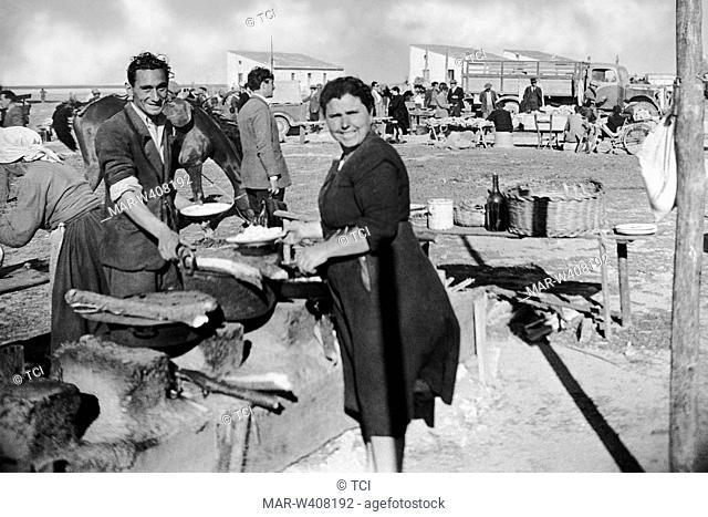 Europe, Italy, Calabria, Cosenza, corigliano, frying fish during the fair Schiavonea, 1930-40