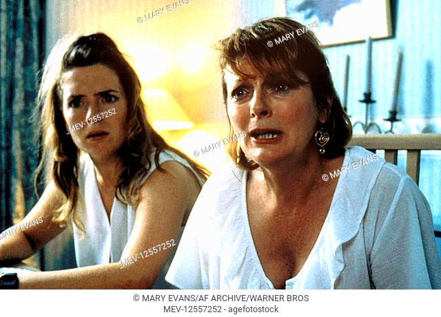 Claire Rushbrook & Brenda Blethyn Characters: Roxanne Purley & Cynthia Rose Purley Film: Secrets & Lies (1996) Director: Mike Leigh 24 May 1996