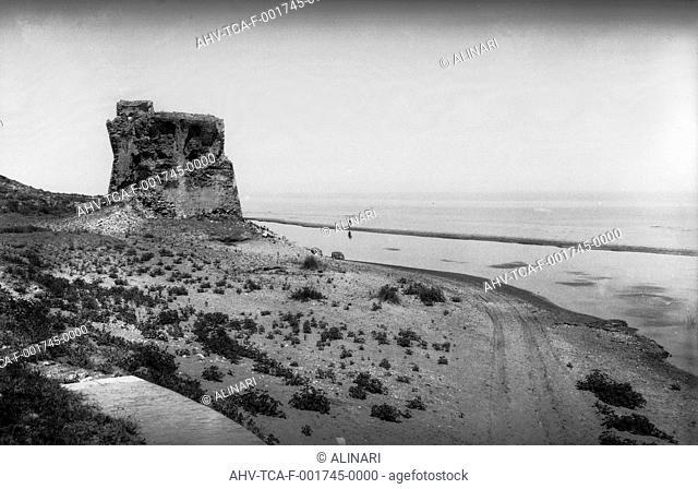 The tower of Termoli near the river Sinarca, shot 1870 by Trombetta, Antonio