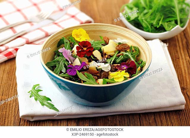 Salad with crusty wild rice