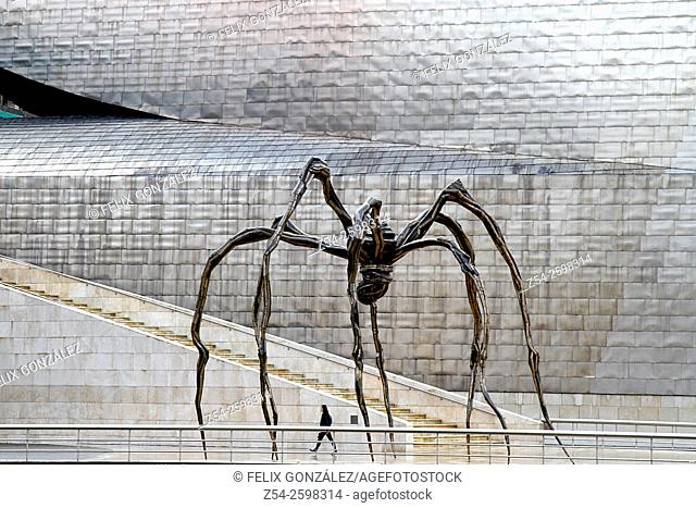 Maman (1999) sculpture by Louise Bourgeois, Guggenheim Museum, Bilbao, Biscay, Spain