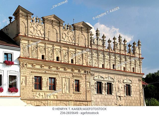 Facade of renaissance house (Kamienica Przybylów) in Kazimierz Dolny, Poland