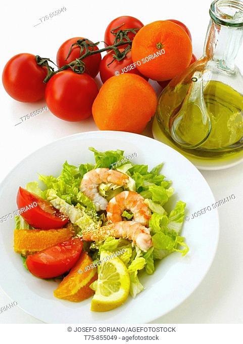 Shrimp salad, lettuce, tomato, orange, lemon and olive oil