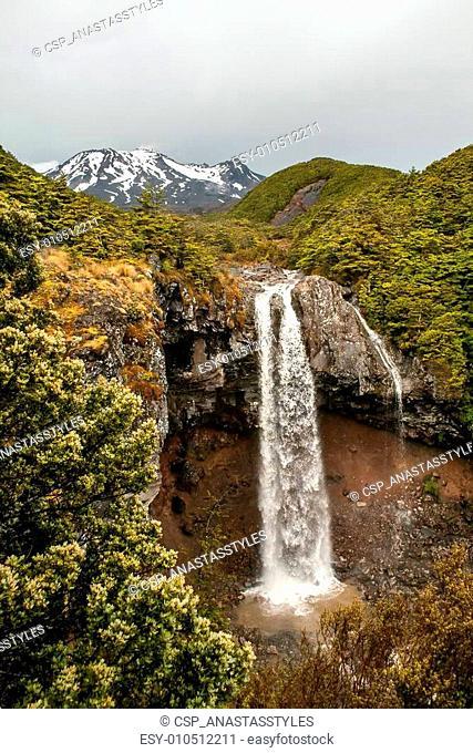 Mangawhero falls and Mount Ruapehu