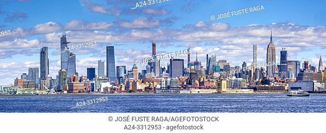 USA, New York City, Manhattan,, Midtown Mahattan Skyline Panorama