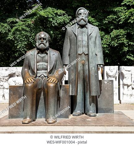 Germany, Berlin, view to Marx-Engels-Monument