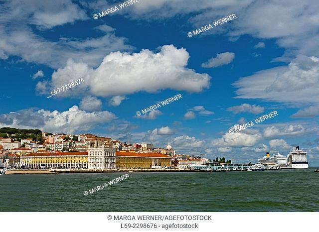 Cityscape of Lisbon, seen from river Tejo, Praca do Comercio, Av. Infante Dom Henrique, Castelo de Sao Jorge, Cruise ships, Portugal, Europe