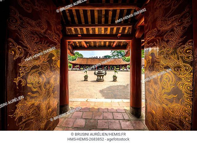 Vietnam, Red River Delta, Hanoi, sanctuary of Prince propagator of Letters (Van Vuong Tuyen Mieu) Temple of Literature (Van Mieu Quoc Tu Giam)